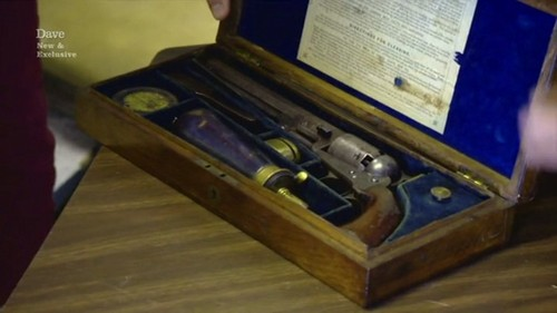 gun colt vintage